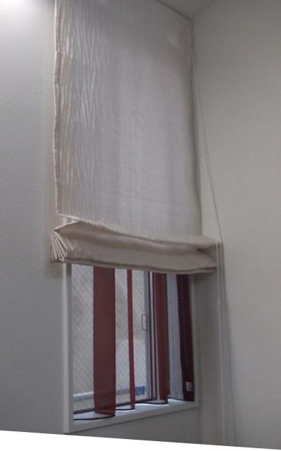 リビング小窓1